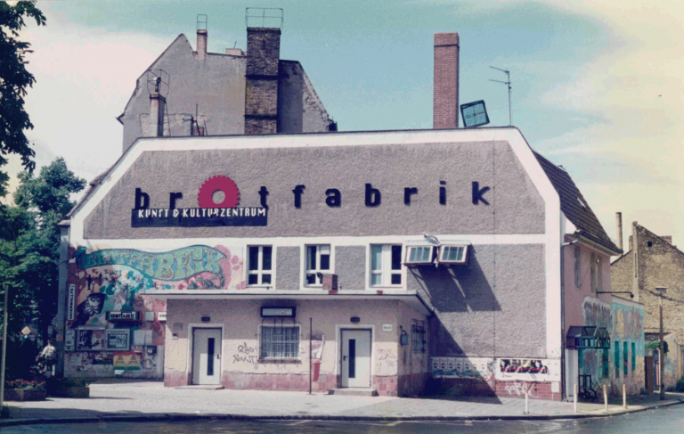1990 Brotfabrik Fassade