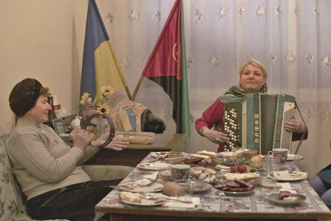 10.05. um 19.30 Uhr / 11.05. - 16.05. um 20.00 Uhr: Erstaufführung! / Ukrainischer Kinoclub #13 Langes Echo