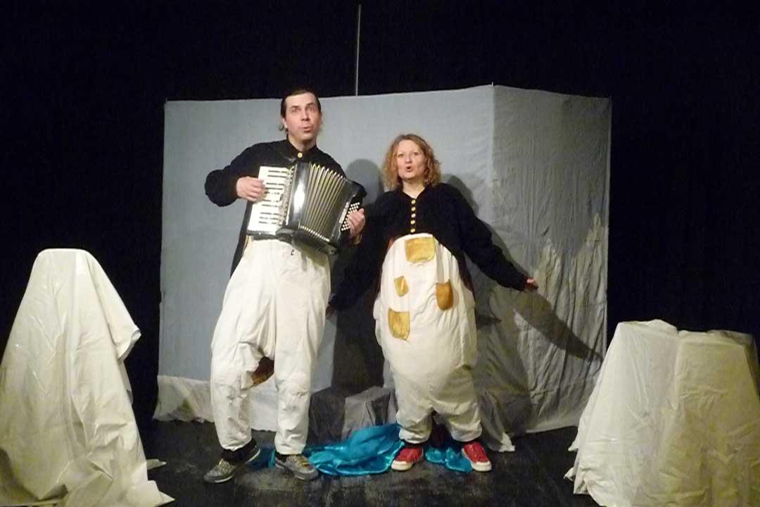 Ach, du dickes Ei! Schauspiel mit Theater Logo & Playtypus für alle ab 3 Jahren